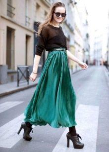 стильная юбка из зеленого шифона