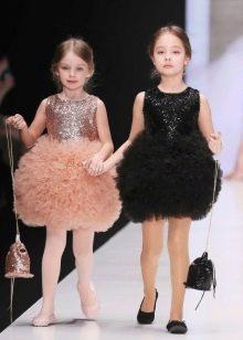 Шикарное дизайнерское  пышное короткое платье для девочки
