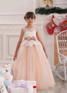 Шикарное  новогоднее пышное платье с кружевом для девочки