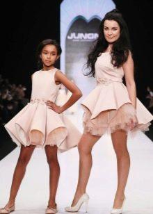 Шикарное короткое  пышное платье Family look для девочки