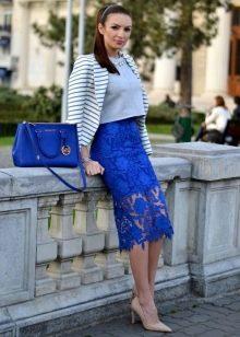 Синяя кружевная юбка карандаш