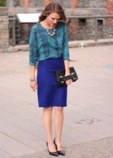 Синяя юбка карандаш и аксессуары к ней
