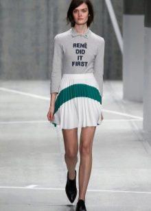 бело-зеленая спортивная юбка