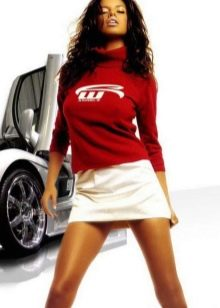 короткая спортивная юбка молочного цвета