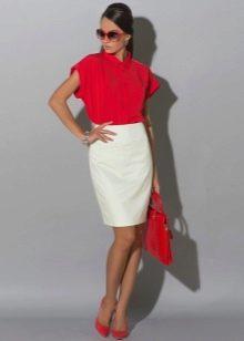 белая юбка-карандаш в ярком образе