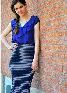 юбка-карандаш средней длины в поперечную полоску