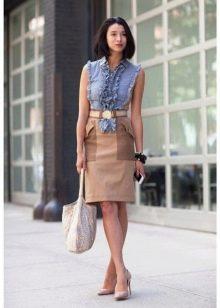 бежевая юбка-карандаш из комбинированной ткани