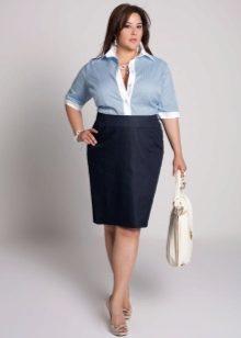 юбка-карандаш для полных женщин и рубашка с коротким рукавом