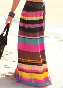 яркая летняя юбка в полоску