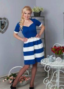 юбка в сине-белую полоску