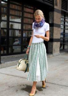 бело-зеленая  юбка на резинке