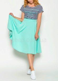 юбка на резинке в летнем образе