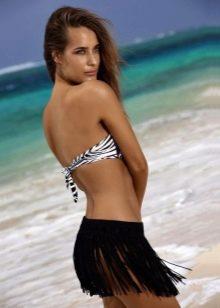 Черная пляжная юбка с бахромой