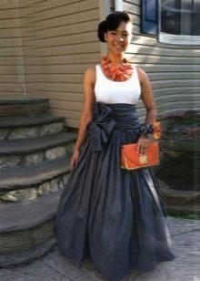 Длинная юбка с бантом сбоку
