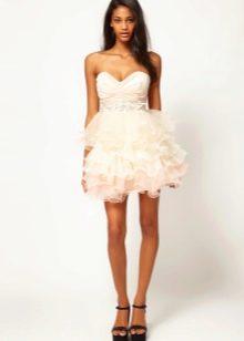 148 В белых мини юбках раком