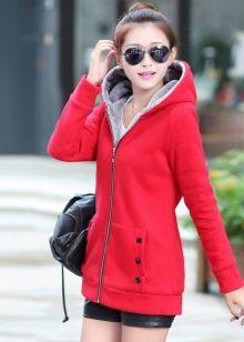 Какой цвет шапки подойдёт к красной куртке