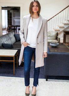 Платье с серым пиджаком