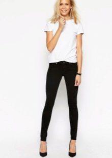 Фото красивых девушек в обтягиващихся джинсах