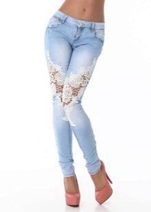 Дырки на джинсах с кружевом