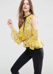 b50628442e1 Они отлично смотрятся в комплекте с джинсами или цветными брюками. Цветы  могут быть как мелкие