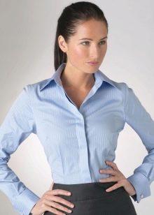f824ae90109 Сочетайте классические модели рубашек или рубашки с коротким рукавом и  брюки. Это могут быть классические брюки или зауженные. Выбор зависит от  вашего типа ...