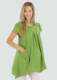 Среди длинных моделей особенно нравится платье-туника, поскольку её можно  носить в тандеме с леггинсами или как платье. Беременные предпочитают  модели ... e24fdda050e