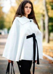 766d5f0ad7721f0 ... он очень удобен для беременных женщин. Сюда же можно добавить и модные  пальто типа пончо. Они шьются из плотных тканей, поэтому подходят и для  холодного ...