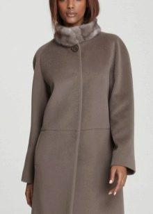 121f300f103 Очень благородно выглядит и норковый или шиншилловый воротник-стойка или  небольшой отложной воротник из более демократичного кролика для пальто  овального ...