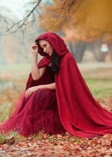 Плащ накидка на платье
