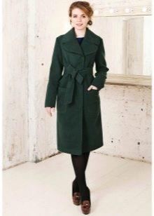 Болотного цвета пальто