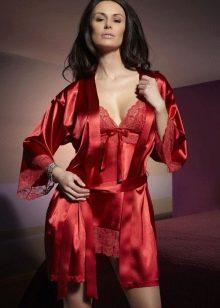 Девушка в эротическом халате фото — 1
