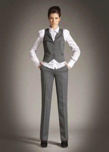 5269df51276 Деловые женские костюмы бывают двух видов  «двойка» - брюки или юбка и  пиджак и «тройка» - брюки или юбка