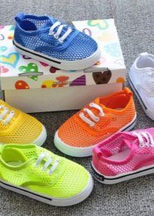 0e0c0a98 ... с соблюдением всех рекомендаций детских профессиональных врачей. Летние  кроссовки удобны тем, что они защищают ноги от попадания грязи и пыли, ...