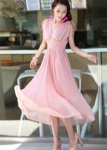 3e934adb29664f9 Туфли разных оттенков розового очень гармонично дополнят комплект из белого  топа и стального цвета юбки или брюк. Такой комплект можно носить не только  в ...