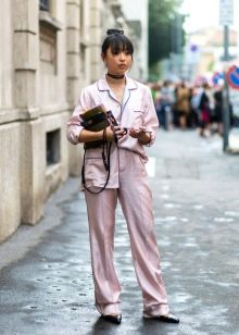 Пижамный стиль в одежде (37 фото): модные тенденции 2018 года, бархат и другие тренды моды этой весны