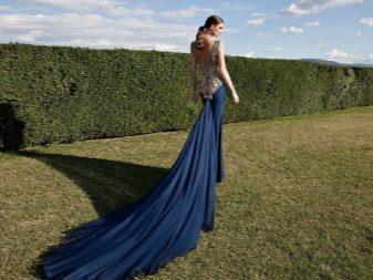 Вечернее платье от Tarik Ediz со шлейфом