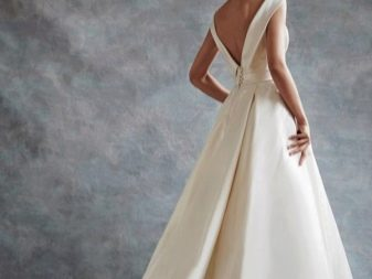Свадебное платье с V-образным вырезом на спине пышное