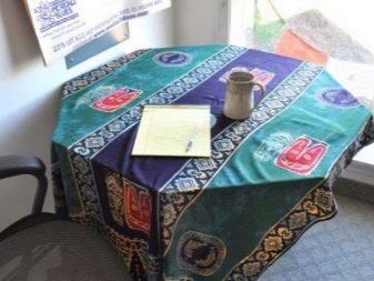 Саронг в интерьере на стол в качестве скатерти