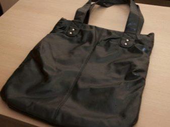 27577535f8f7 После этого вырежьте из салфеток для декупажа необходимые части, которыми  вы будете отделывать сумку.