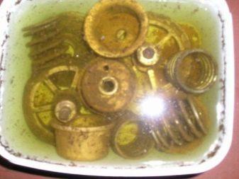Чем чистить медь и латунь