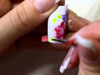 osobennosti-akvarelnoj-rospisi-nogtej-10 Самый красивый дизайн ногтей: 100 ЛУЧШИХ идей и трендов на фото