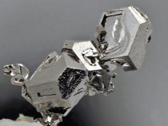 Аффинаж палладия: радиодетали, содержащие металл в контактах, фото, как отличить от серебра