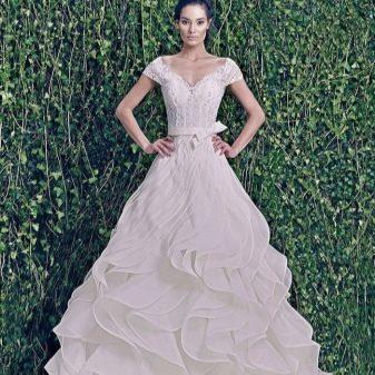 Свадебное платье с драпировкой от ZUHAIR MURAD