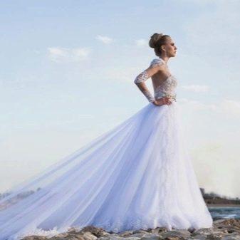 Свадебное платье с частично кружевным рукавом