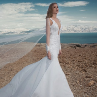 Свадебное платье с кружевным манжетом
