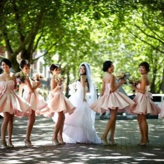 Светло-розовые платья для подружек невесты