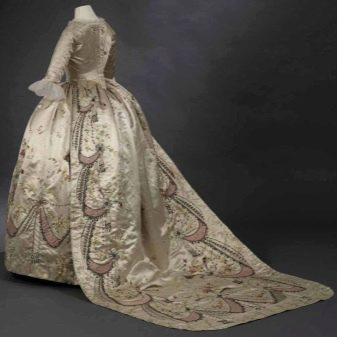 Свадебное платье со шлейфом 18 век
