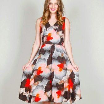 Платье с юбкой полусолнце для стройных женщин