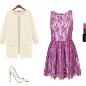 лиловое кружевное платье с белым пиджаком