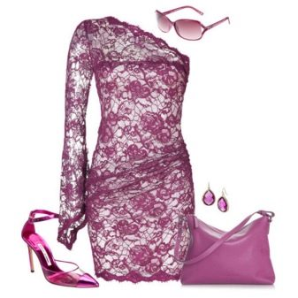 Лиловое кружевное платье с аксессуарами в тон